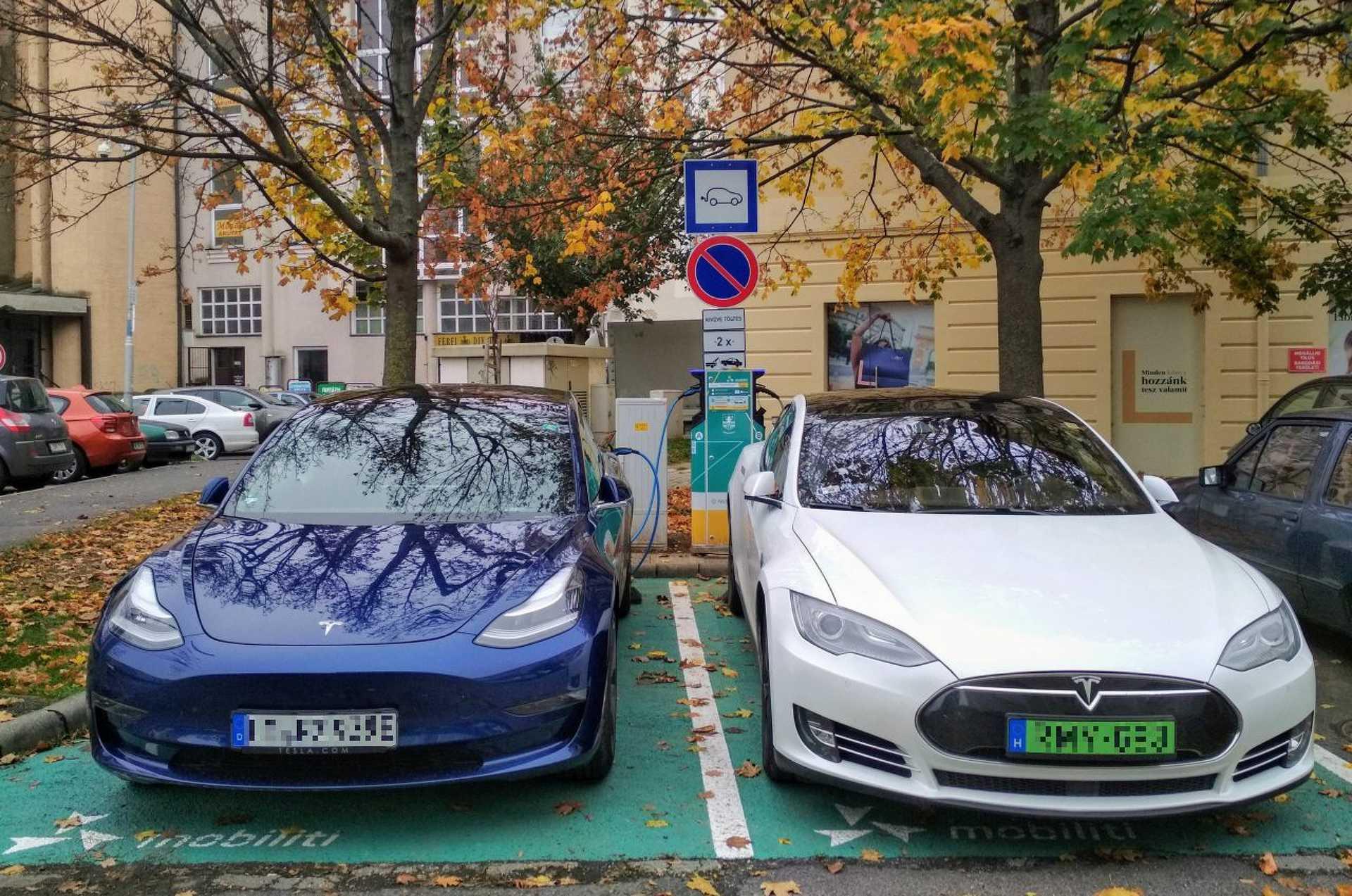 Tesla, Teslák, elektromos autó