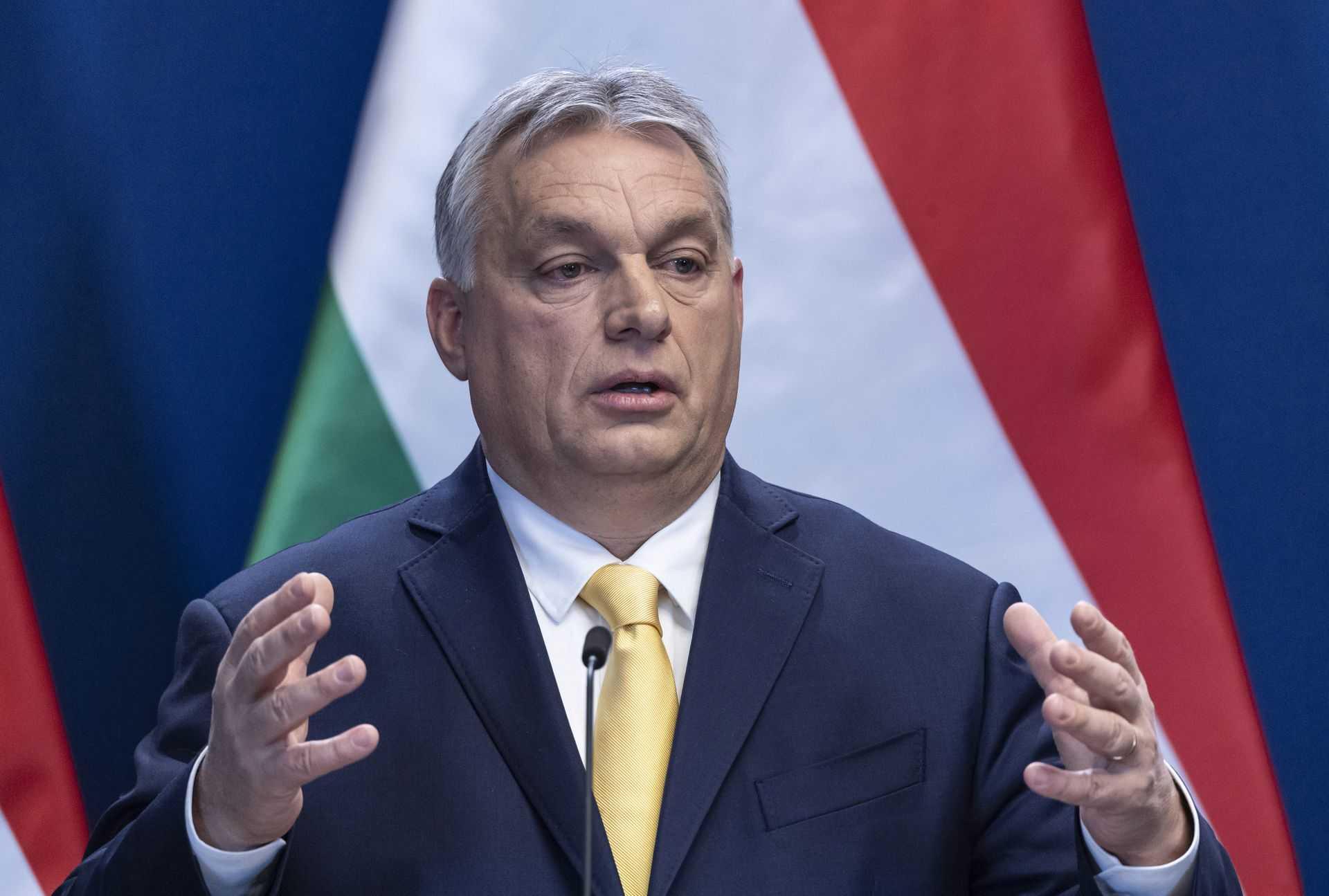 Orbán Viktor miniszterelnök évindító nemzetközi sajtótájékoztatóján a Karmelita kolostorban 2020. január 9-én