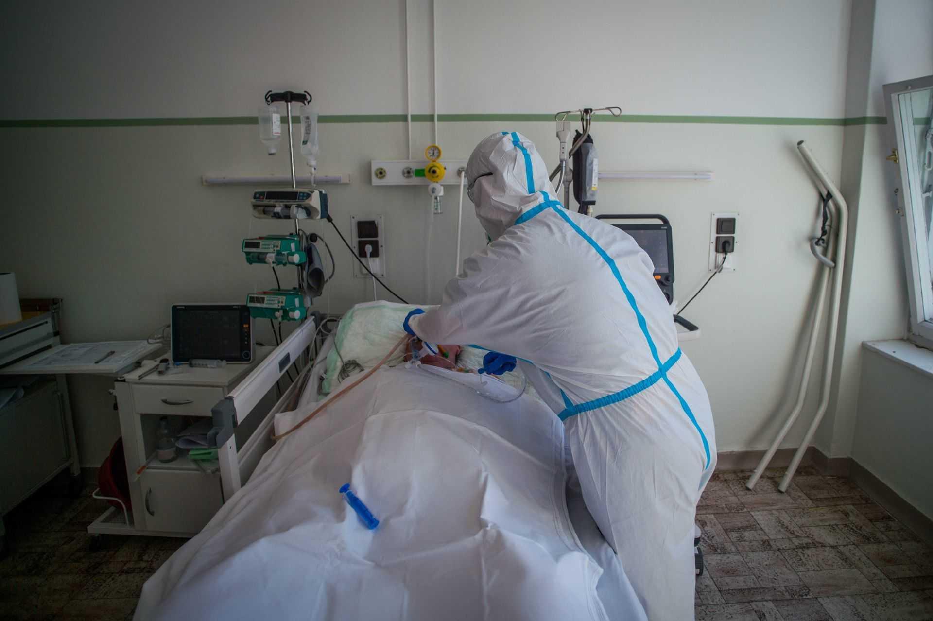 Koronavírus - Betegeket ápolnak az Országos Korányi Pulmonológiai Intézetben