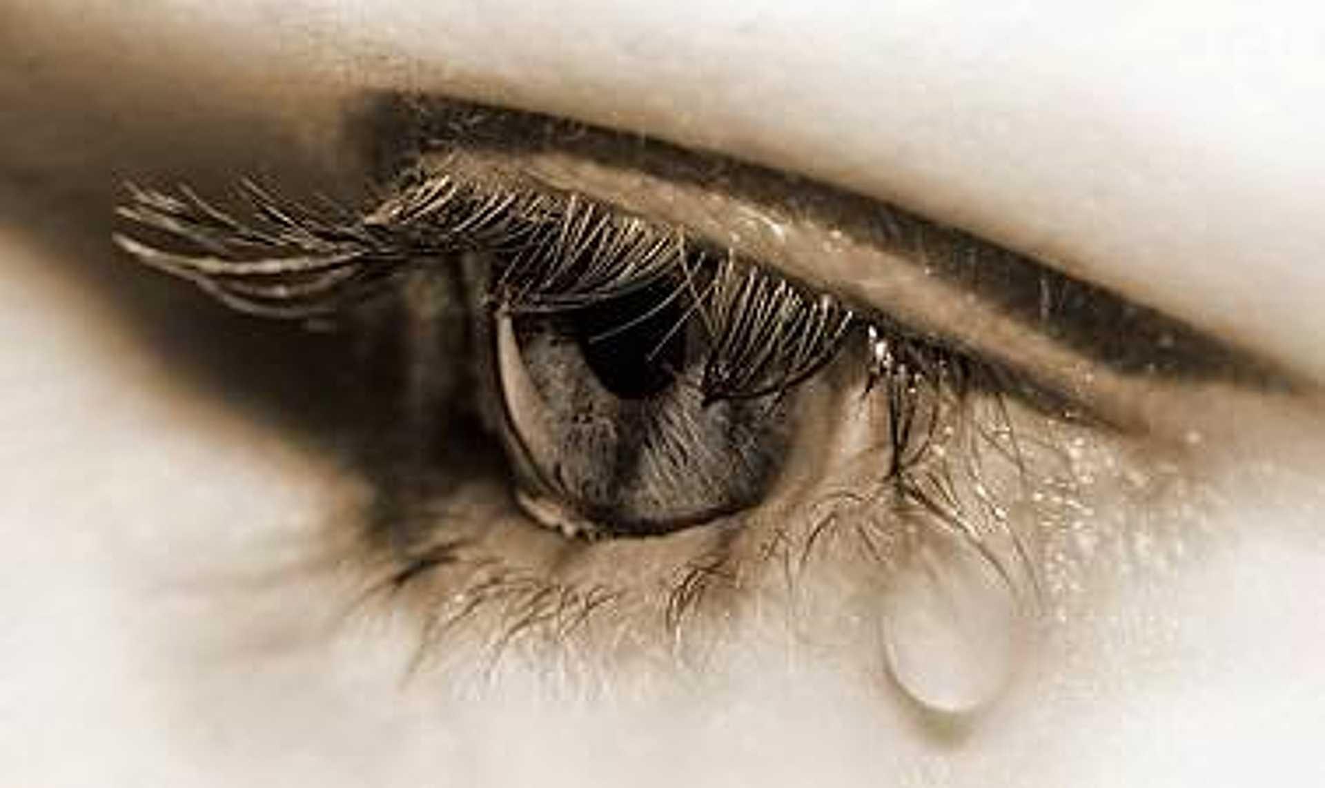 Az értetlenség, az önhibáztatás, a harag és sértődöttség fájdalmat szülnek.