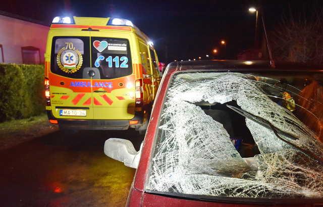 Az elé lépő nőt kikerülő sofőr autója elgázolta az út közepén álló férfit