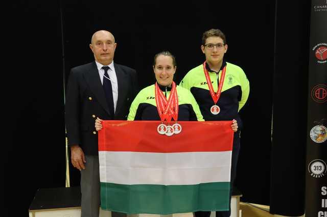 Kondics Levente, Gál Enikő és Gál Róbert edző a londoni Seiwakai International Championshipen