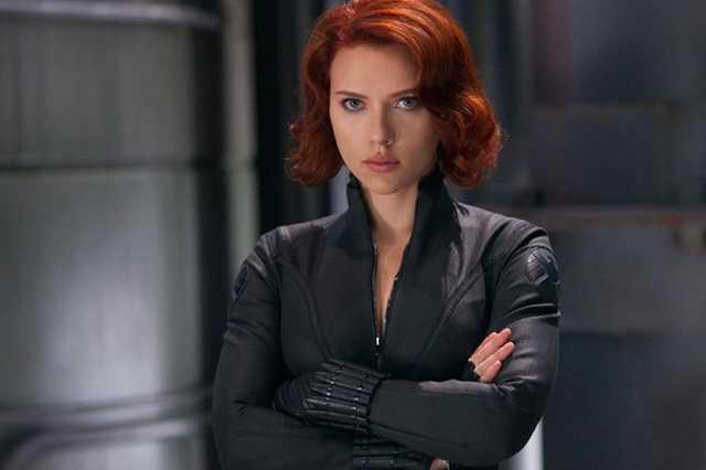 Scarlett Johansson - Fekete özvegy