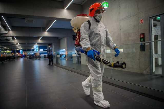 Koronavírus - Ellenőrzés a Liszt Ferenc-repülőtéren