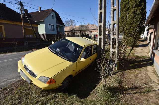 Suzukit lökött árokba BMW-t Gersekaráton