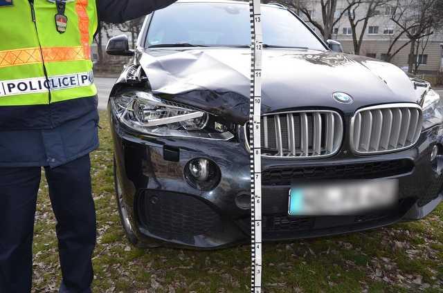Négy sávos úton szaladt át gyerekkel, elgázolta őket egy BMW Debrecenben