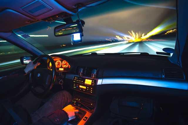 Sebesség, gyorsulás, BMW