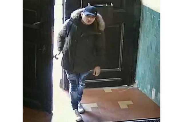 Iskolából lopott, a győri nyomozók keresik