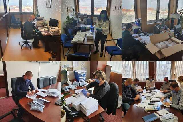 Már borítékolják is a szombathelyi önkormányzati hivatal munkatársai a szájmaszkokat