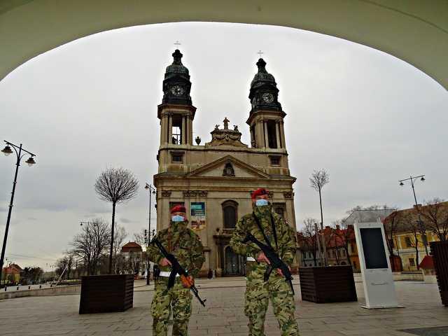 Katonai rendészek Pápán