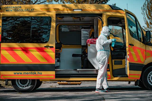 Koronavírus, mentő, mentők