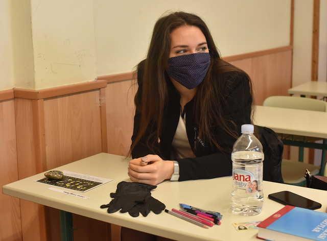 Érettségi maszkban, első nap a Bolyaiban