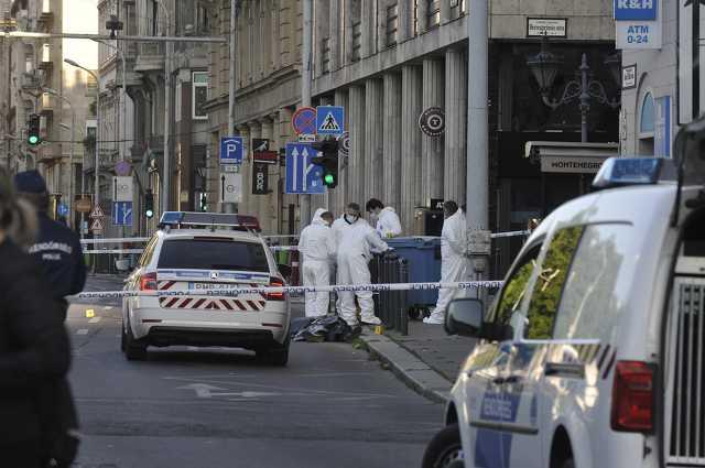 Halálra késeltek két embert hajnalban Budapesten
