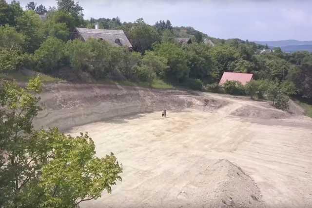 Építkezés Tihanyban
