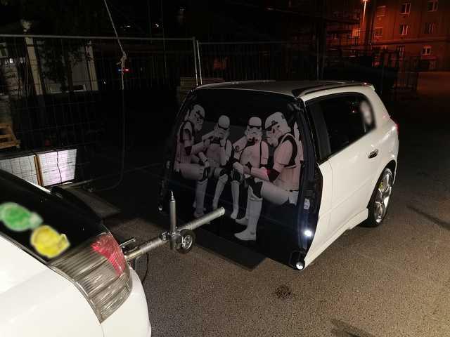Csillagok háborúja autó