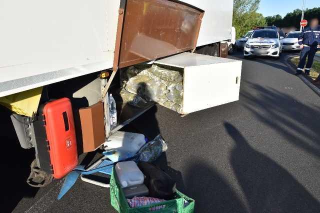 Több mint 50 kiló marihuánára bukkantak egy magyar kamionban az M7-es zalai részén