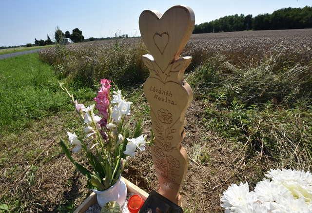 Faragott sírjel emlékeztet az édesanyja mögül kiszakított kislányra Sorkifaludnál