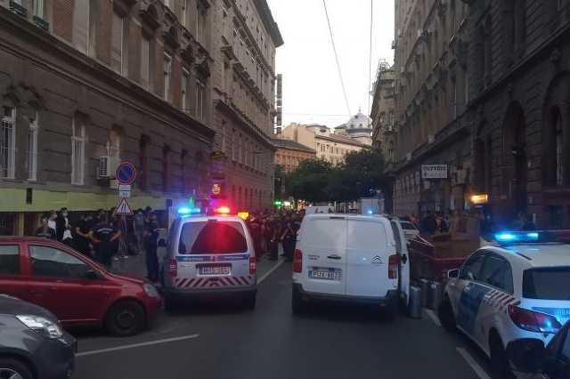 Rendőrségi razzia a Kertész utcában