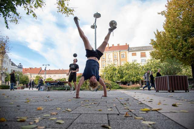 Freestyle foci a Fő téren