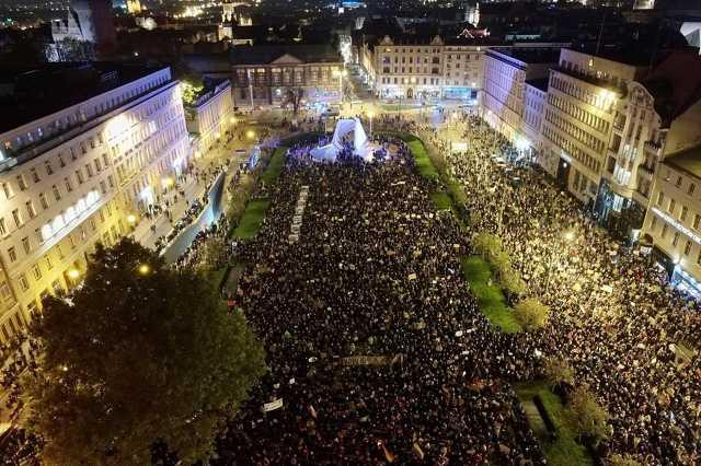 Tüntetés Lengyelországban az abortusz-törvény ellen