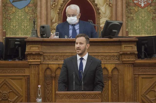 Bana Tibor az országgyűlésben