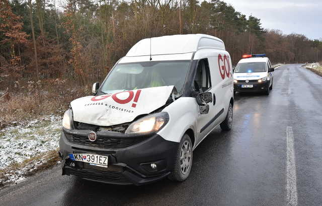 Futárautó elé rohant szarvas Sorokpolánynál - megsérült a sofőr