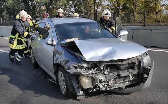 Kilenc jármű rongálódott meg a balesetben az M2-es autóúton Fotó: FKI