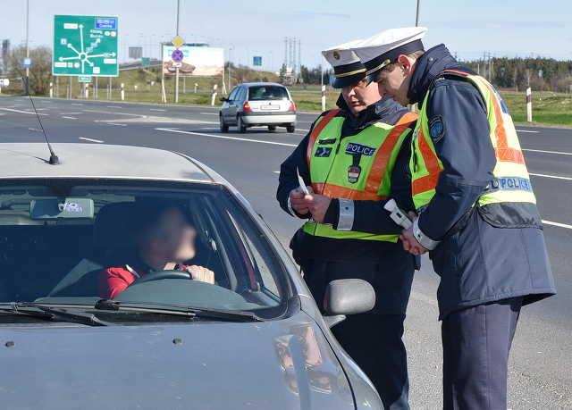 Fokozott rendőri ellenőrzés húsvét környékén Vas megyében
