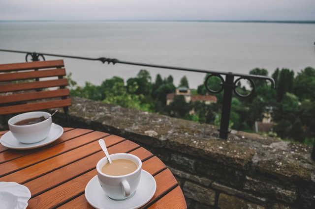 Ébredező Balaton