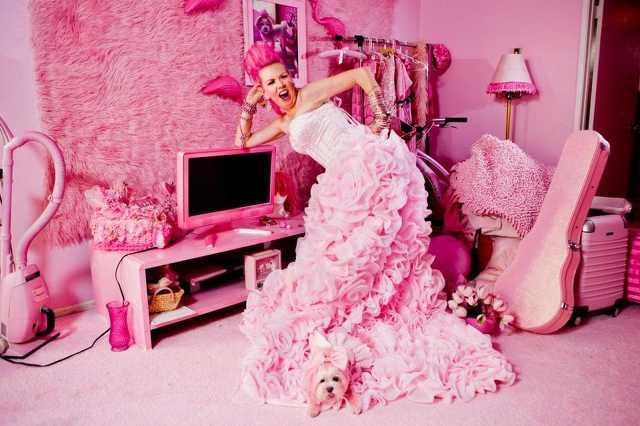 Rózsaszín nő