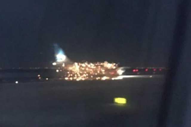 Kigyulladt egyrepülőgép a JFK repülőtéren