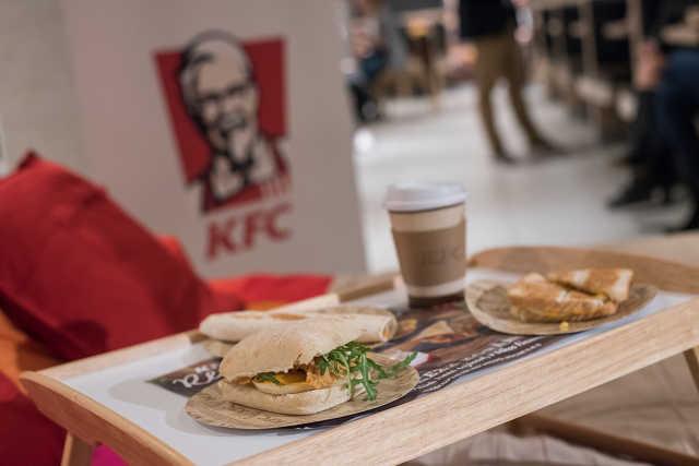 KFC reggeli