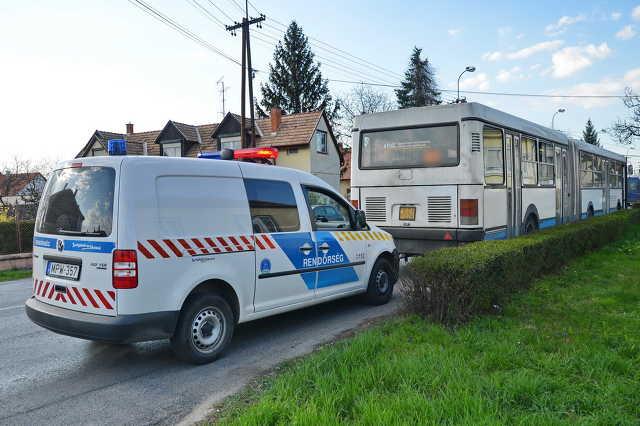 Helyijáratos busz ütközött egy Fiat hátuljának Szombathelyen