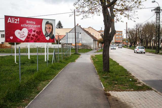 Szülinapi plakát a Körmendi úton