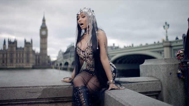 Kiakadtak az emberek, hogy Nicki Minaj új klipjében a londoni terrortámadás helyszínén szexizik