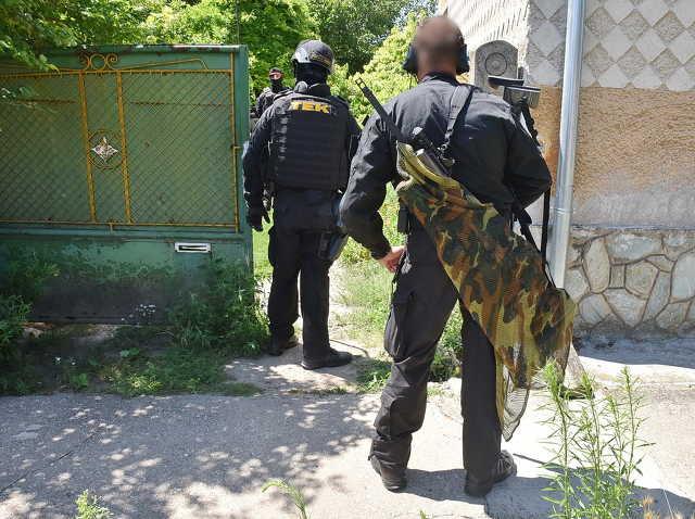 A TEK ártalmatlanította a robbantással fenyegetőző férfit Sajtoskálon