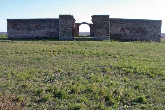 Rohonci keretszpajta és a feltételezett sírhely