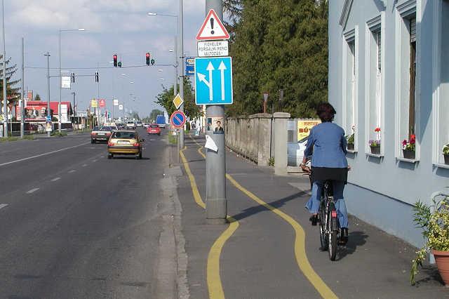 Kerékpárút a Zanati úton