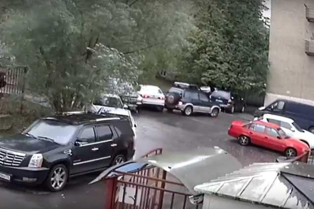 Négy autó fél perc alatt