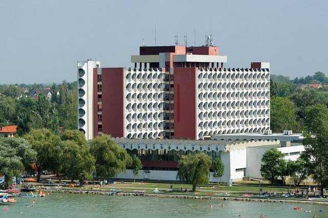 Hotel Ezüstpart