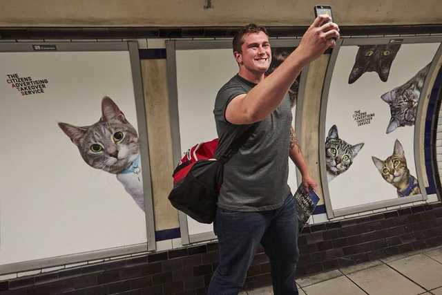 metró szelfi