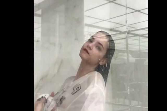Palvin Barbi Celeste Barber videójában