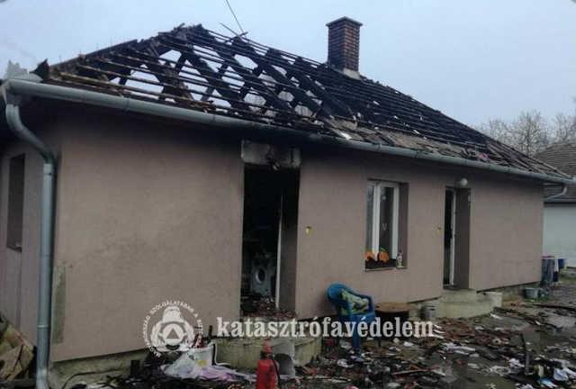 Leégett ház Tokorcson