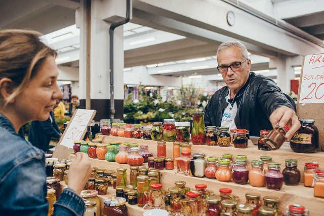 Piac a szombathelyi vásárcsarnokban