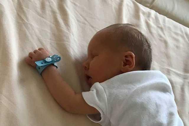 ó egészséget a babának, gratulálunk Edvi Henriettának és az egész családnak