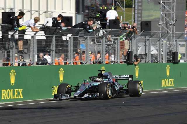 Hamilton győzött Budapesten