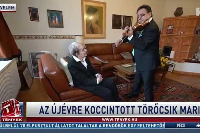 Mága Zoltán velemi otthonában hegedült Törőcsik Marinak