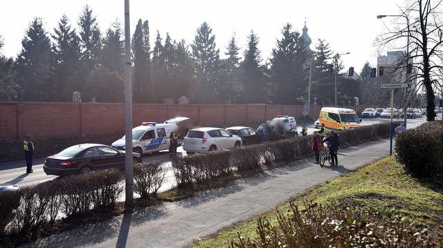 Több autó ütközött a szombathelyi Szent Márton utcában