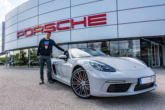 Guzmics Richár új Porsche