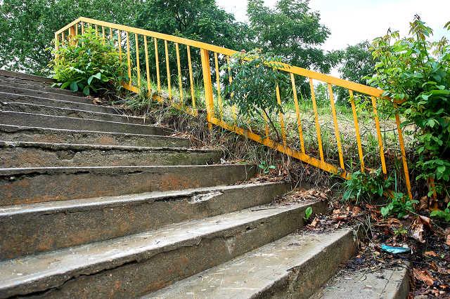 Lépcső a stadion mellett
